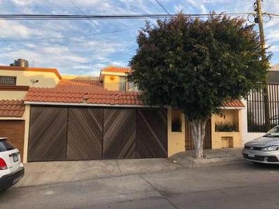 Casa En Venta Y Renta En Lomas 4a Seccion