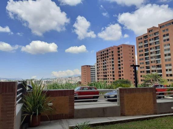 Apartamento En Venta Clnas. De La Tahona Mls 20-13170