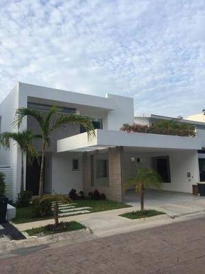 Casa En Venta En Cancun Cumbres 4rec + Tv