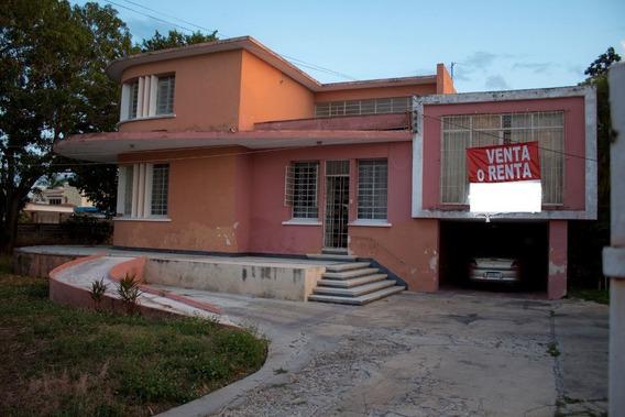 Hermosa Casona En Venta/ Renta En La Colonia México