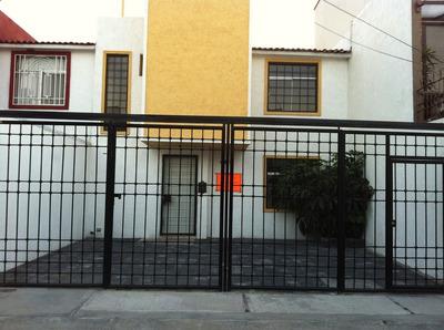 Hermosa Casa La Joya. 3 Recámaras, 2.5 Baños. Trato Directo