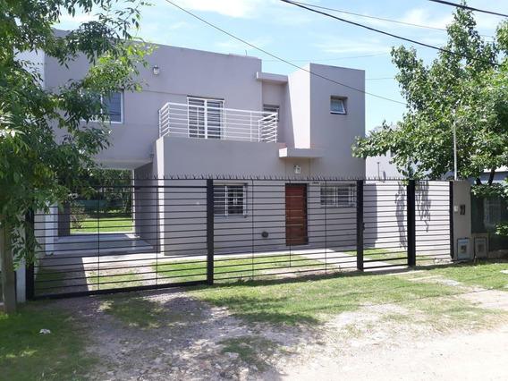 Casa Alquiler 3 Dormitorios, 2 Baños Y Lote 10 X 30 Mts - City Bell
