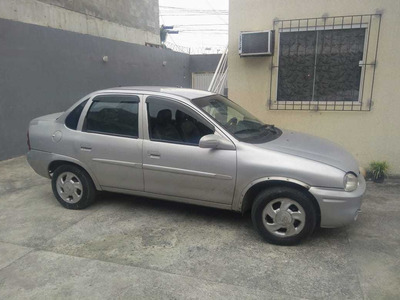 Chevrolet Corsa Sedan 1.0 Super 4p 2001