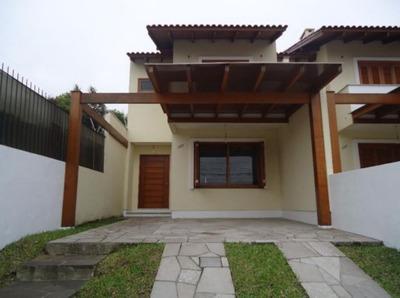 Casa Em Cavalhada Com 3 Dormitórios - Bt1947