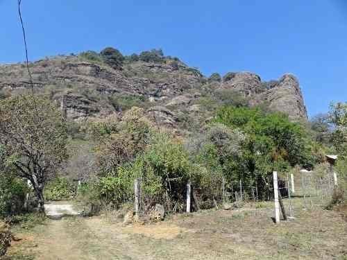 Terreno Plano En Tepoztlan Camino A Santo Domingo Con Hermosa Vista