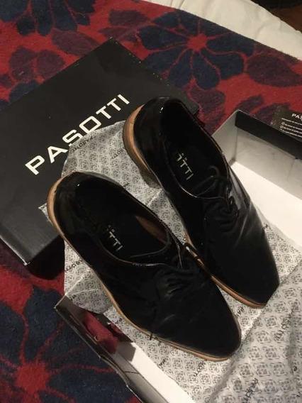 Zapatos Passotti Acharolados 41