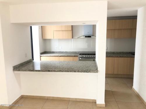 Qh Casa En Esquina Cuarto De Servicio Renta Zibatá Sr 202403