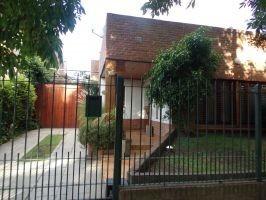 Monte Grande: Hermosa Casa De 3 Dormitorios Apta Credito