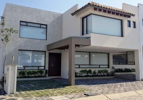 Casa En Venta Cerca De Galerías Metepec
