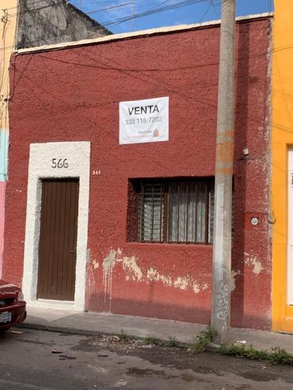 Casa En Venta Una Planta En La Zona Centro De Guadalajara En Pavo