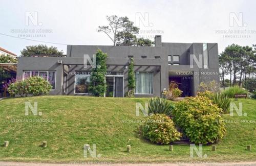 Espectacular Casa  Moderna Y Luminosa En Montoya La Barra  En Alquiler - Ref: 4562