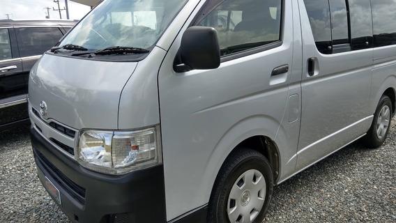 Toyota Hiace (regius Ace) Gris 2013