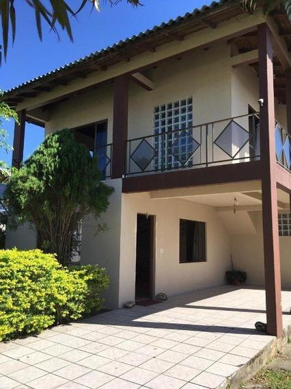 Casa Com Três Dormitórios Na Praia Do Campeche. - Ca2084
