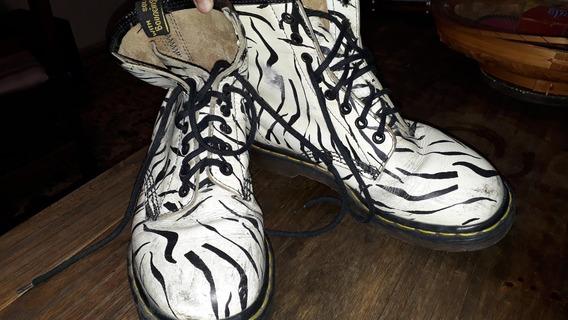 Vendo Borcegos Dr Martens Modelo Zebra 1460 Numero 38.