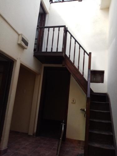 Se Alquila Casa Pardo Bazan Y Madrid 2 Dormitorios Y Altillo