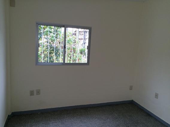 Casa 1 Dormitorio,comedor,cocina G,baño,lavadero Parrillero