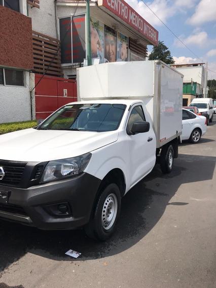 Nissan Pick-up Pick Up. Camper