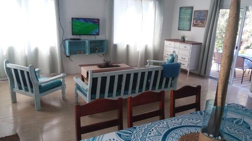 Imagen 1 de 8 de Hermosa Casa Frente A La Playa 3 Dormitorios