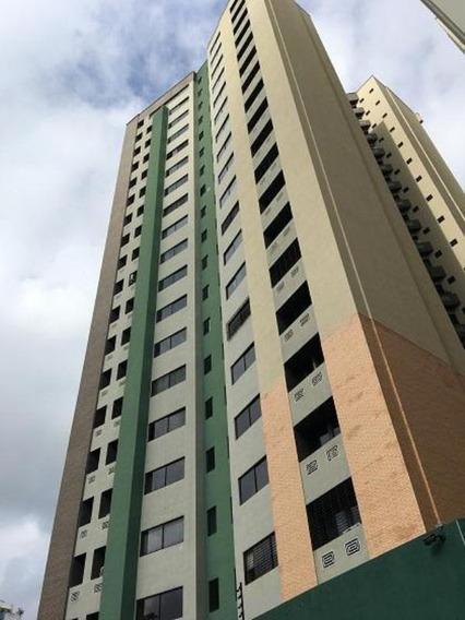 Erika Colina Vende Apartamento En Res. Valle De Camoruco