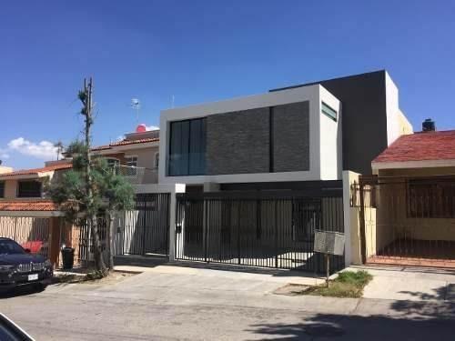Casa Nueva En Venta En Bugambilias, Zapopan Jal.