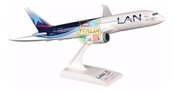 Boeing 787-8 Dreamliner Lan 1:200 Skymarks
