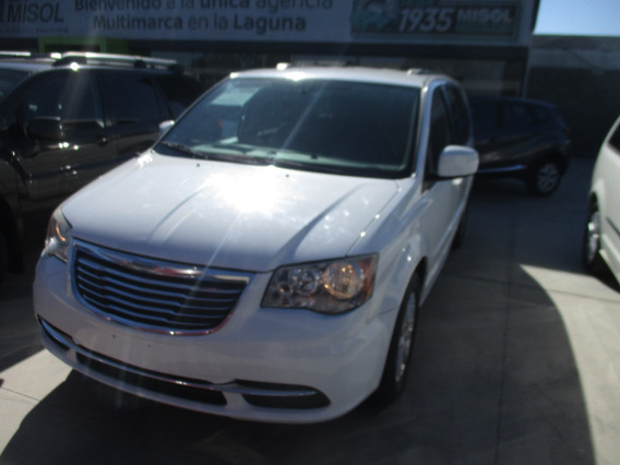 Chrysler Town & Country Touring, Color Blanco, 2015