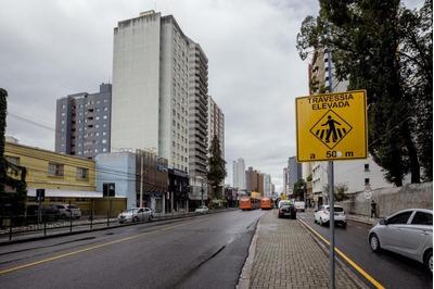 Apartamento Com 1 Dormitório À Venda, 38 M² Por R$ 150.000 - Juvevê - Curitiba/pr - Ap0601