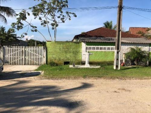 Chácara No Litoral Com 04 Dormitórios Em Itanhaém/sp
