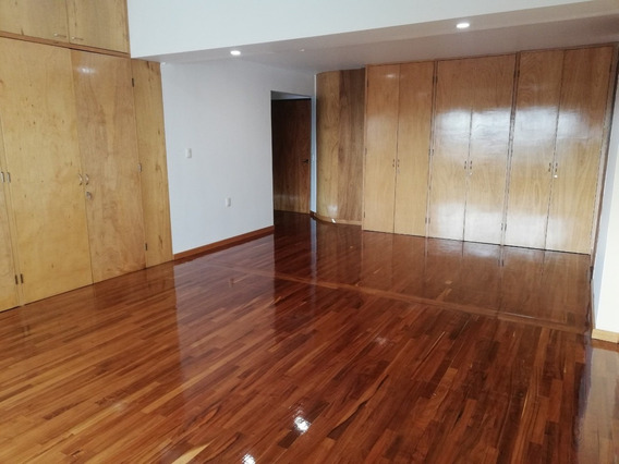 Rento Casa Para Oficinas Silenciosas Con Elevador, 1,000 Mts