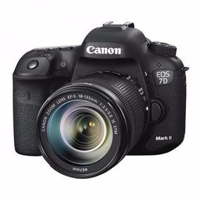 Câmera Canon Eos 7d Mark Ii Com Lente Stm 18-135mm F/3.5-5.6