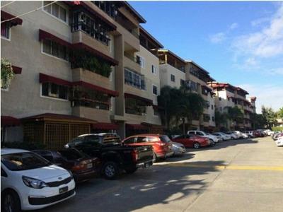 Penthouse Remodelado En El Residencial Santo Domingo Herrera