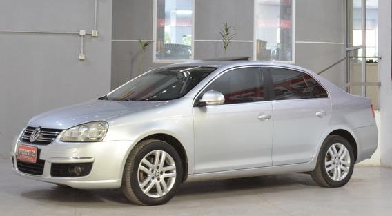 Volkswagen Vento 2.5 Nafta 2009 4 Puertas Color Gris