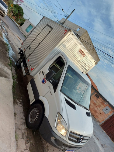 Imagem 1 de 15 de Caminhão Baú Mercedez Bens 311 Cdi Street 2016.