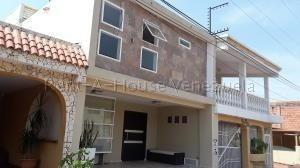 Townhouse En Venta En Maracaibo-bb.