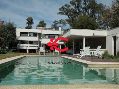 Casa Con Costa Al Lago Ref. 1516