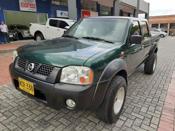 Nissan D-22 Gasolina 4 X4