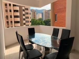 Apartamento En Venta La Trigaleña Valencia Cod 20-4758 Ddr