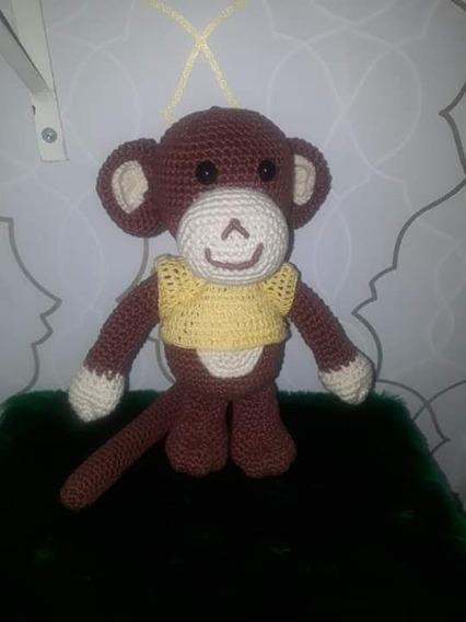 Macaco Amigurumi, Enchimento Com Manta Acrílica.