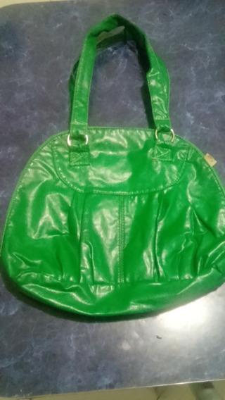 Cartera Verde. Plástico