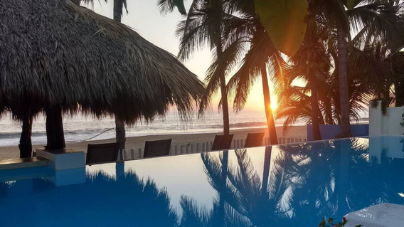Magnifica Villa Sobre Playa, Servicio Completo, 25 Personas