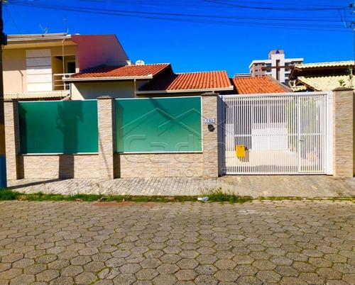 Imagem 1 de 10 de Casas - Ref: V518