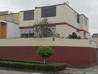 Casa De 5 Dormitorios Y Amplia Campo...