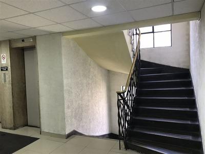 Oficina En Venta De 5 Privados En Santiago