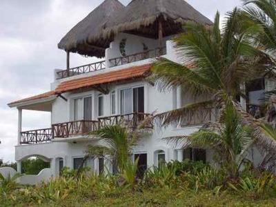 Se Vende Casa Frente Al Mar En Playa De Akumal, Tulum