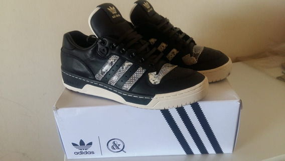 Tenis adidas Rivalry Low X Ua & Sons 40br
