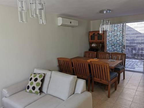 Casa En Renta En Hacienda Santa Isabel - Apodaca
