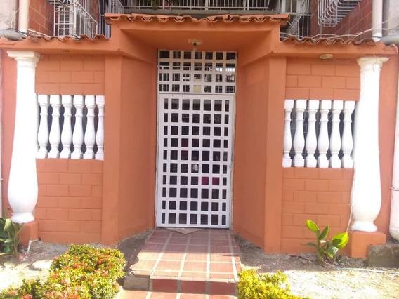 Se Vende Apartamento En Madre Maria 04241765993
