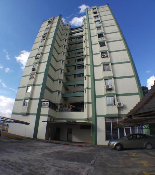 Apartamento En Residencia El Friuli.