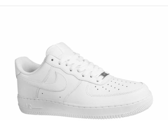 Tênis Nike Air Force 1 07