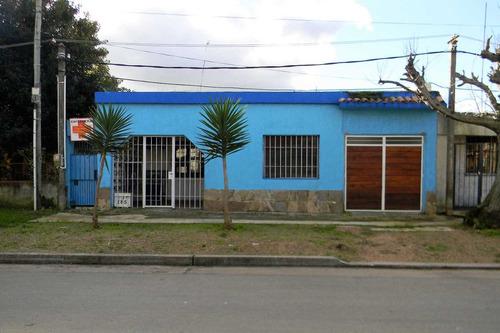 Imagen 1 de 11 de Venta Casa Las Piedras Tres Dormitorios - O Permuta